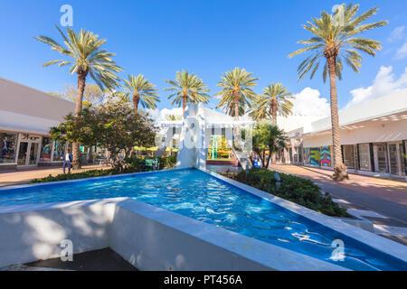 Lincoln Road Mall, Miami Beach, Florida, USA, North America - Stock Photo