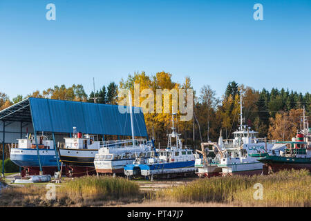 Canada, Quebec , Capitale-Nationale Region, Charlevoix, Saint Joseph de la Rive,  boats of the Charlevoix Maritime Museum - Stock Photo