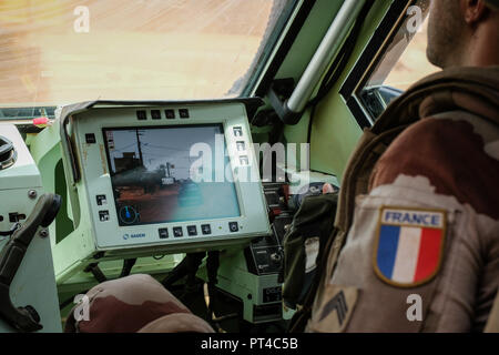 Gao's French base in Mali is the largest of the Barkhane external operation. It is from this base that the operations are launched against terrorist armed groups.. Gao - Mali - august 2018. La base française de Gao au Mali est la plus importante de l'opération extérieure Barkhane. C'est depuis cette emprise que les opérations sont lancées contre les groupes armés terroristes.. Gao - Mali - août 2018. - Stock Photo
