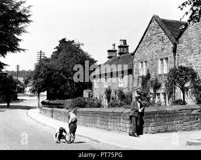Plague Cottages, Eyam early 1900's - Stock Photo