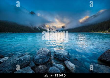 Lake Louiseis aglacial lakewithinBanff National ParkinAlberta,Canada Stock Photo