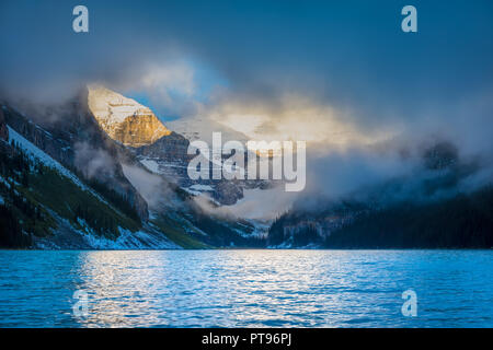Lake Louise, namedLake of the Little Fishesby theStoney NakotaFirst Nationspeople,is aglacial lakewithinBanff National ParkinAlberta,Canad - Stock Photo