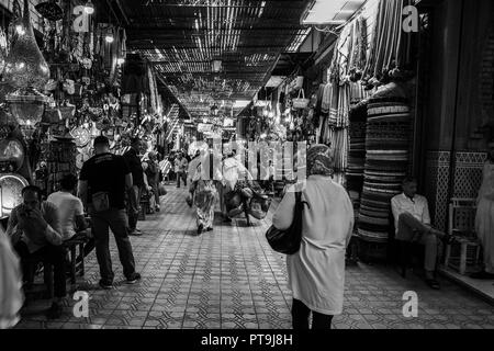 Marrakesh is a major Moroccan city that serves as a major economic centre and tourist destination for the Kingdom of Morocco. 4th Oct, 2018. Marrakesh is the location of the largest traditional market in Morocco which sell various merchandise including many traditional handicrafts items produced by locals Credit: Matt Duckett/IMAGESLIVE/ZUMA Wire/Alamy Live News - Stock Photo