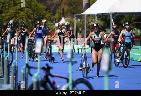 Buenos Aires, Argentina. 7th Oct, 2018. Athletes compete during the Women's Triathlon match at the 2018 Summer Youth Olympic Games in Buenos Aires, capital of Argentina, Oct. 7, 2018. Credit: Li Jundong/Xinhua/Alamy Live News - Stock Photo
