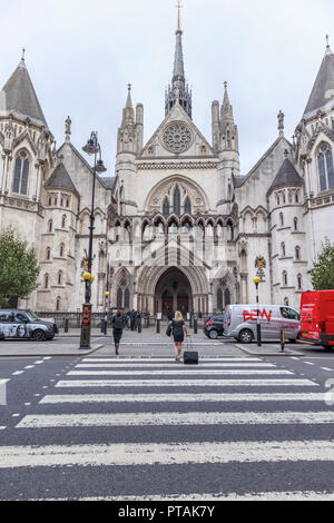 Royal Courts of Justice in Strand, City of Westminster, London WC2, civil law courts for the High Court and Court of Appeal for England and Wales - Stock Photo
