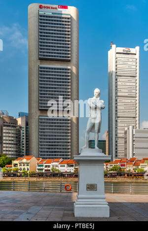 Sir Stamford Raffles's statue, Singapore - Stock Photo