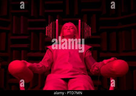 Original film title: MANIAC. English title: MANIAC. Year: 2018. Director: CARY FUKUNAGA. Stars: EMMA STONE. Credit: PARAMOUNT TELEVISION / Album - Stock Photo