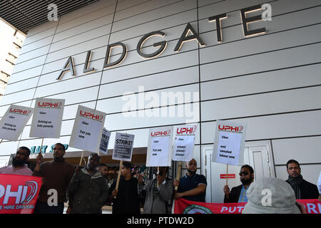 London, UK. 9th October, 2018. Uber driver strike! demand a minimun wages outside Uber offices, Aldgate Tower, London, UK. 9 October 2018. Credit: Picture Capital/Alamy Live News - Stock Photo