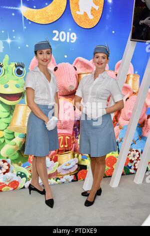 Olympia, London, UK. 9th October, 2018. Pan Am Air Hostesses,Brand Licensing Europe,Olympia,London.UK Credit: michael melia/Alamy Live News - Stock Photo
