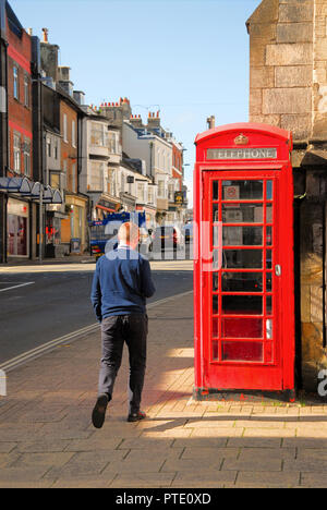 Dorchester. 9th October 2018. Traditional red telephone kiosk in sunny Dorchester, County town of Dorset Credit: stuart fretwell/Alamy Live News - Stock Photo