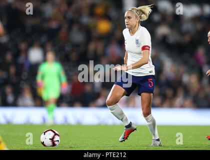 Craven Cottage, London, UK. 9th Oct, 2018. Womens International Football Friendly, England versus Australia; Steph Houghton of England Credit: Action Plus Sports/Alamy Live News - Stock Photo