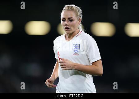 Craven Cottage, London, UK. 9th Oct, 2018. Womens International Football Friendly, England versus Australia; Lucy Bronze of England Credit: Action Plus Sports/Alamy Live News - Stock Photo