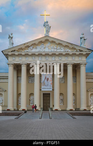 Vilnius Cathedral, view at dusk of the neoclassical portico of the Vilnius Cathedral of St Stanislav and St Vladislav, Lithuania. - Stock Photo
