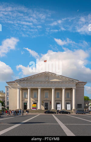 Town Hall Vilnius, view of the neoclassical style Town Hall building (1799) in Vilnius Town Hall Square (Rotuses aikste), Lithuania. - Stock Photo