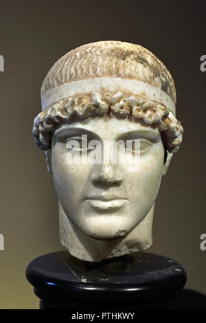 Athlete with bandage in the hair.  The head Roman times, in the 1st half of the 1st Jhs. n. Chr., manufactured. It forms a great Greek original of the classic around 460 BC. In thC - Stock Photo