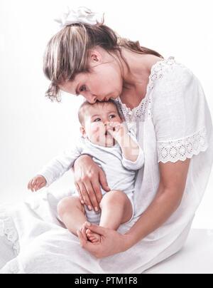 Mutter schmust mit ihrem kleinen Kind, Baby (Modellfreigabe) - Stock Photo