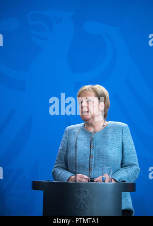 Berlin, Germany. 10 October 2018, Berlin: Federal Chancellor Angela Merkel (CDU) spoke at a press conference with S. Pinera, President of Chile, after her meeting at the Federal Chancellery. Photo: Bernd von Jutrczenka/dpa Credit: dpa picture alliance/Alamy Live News - Stock Photo