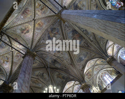 Perugia Umbria Italia - Italy. Cathedral of Saint Lawrence - Cattedrale di San Lorenzo. Interior, sight of the ceiling decorated with frescoes. Built  - Stock Photo