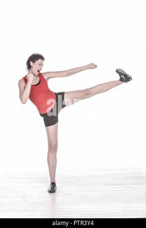Frau, Sport, jung, Kurzhaarfrisur, sportlich, fit, froehlich, fröhlich, agil, vital, Gesundheit, Fitness, Vitalitaet, Workout, Ausgeglichenheit, 30-40 - Stock Photo