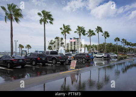 Gulfport,  Florida, USA., Tuesday,  9th,  October ,2018, Hurricane, Michael, rises the sea in the town, creating localised flooding,  , Credit: Peter SPURRIER/Alamy Live News - Stock Photo