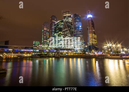 Moscow, Russia. 10th Oct, 2018. MOSCOW, RUSSIA - OCTOBER 10, 2018: A view of the Moscow International Business Centre (Moscow City) lit up at night. Marina Lystseva/TASS Credit: ITAR-TASS News Agency/Alamy Live News - Stock Photo
