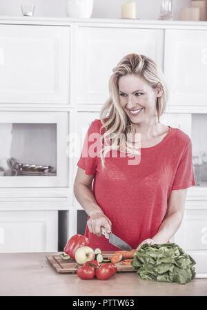 Girl Beglückt Sich In Der Küche