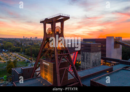 World Heritage Zollverein Colliery in Essen, Doppelbock winding tower, from shaft 12, Ruhr Museum in the building of the former KohlenwŠsche building, - Stock Photo
