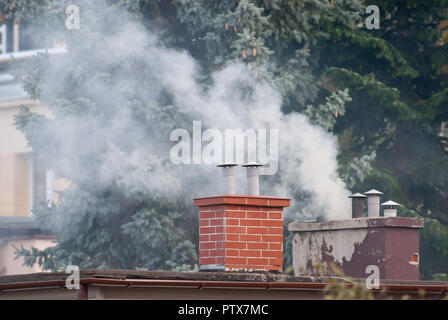 Autumn air pollution by smoking chimneys in Rumia, Poland. October 4th 2018 © Wojciech Strozyk / Alamy Stock Photo - Stock Photo