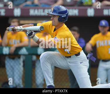 Mississippi, USA.  30th Mar, 2019. LSU outfielder, Giovanni DiGiacomo (7), in action during the NCAA baseball game between the LSU Tigers and the Mississippi State Bulldogs at Dudy Noble Field in Starkville, MS. LSU defeated Mississippi State, 11-2. Kevin Langley/Sports South Media/CSM/Alamy Live News - Stock Photo