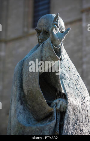 the statue of saint st richard at chichester cathedral in west sussex. - Stock Photo