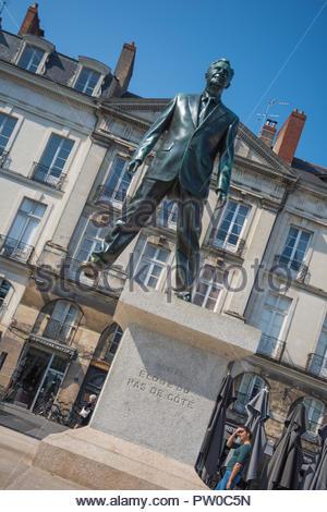 Le Voyage ‡ Nantes, Philippe Ramette, Eloge du pas de cÙte (Lob auf den Schritt zur Seite) (EDITORIAL ONLY.Le Voyage ‡ Nantes ist ein Sommerkulturprog - Stock Photo