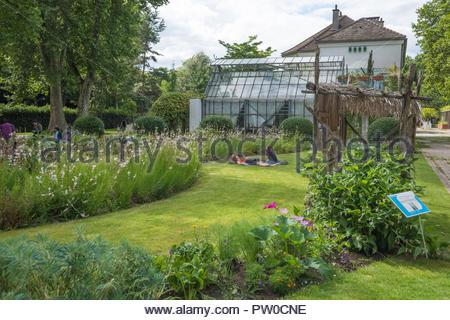 Paris, Park von Bercy, Parc de Bercy - Stock Photo