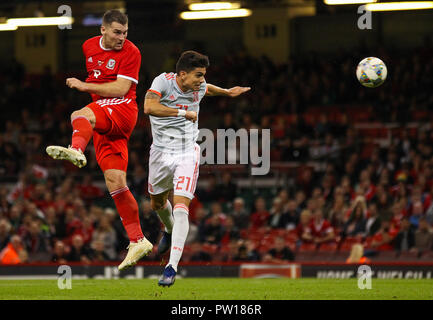 Cardiff, Wales October 11, 2018 Sam Vokes of Wales scores his sides first goal in the  89th minute during Exhibition Match between Wales and Spain at Principality stadium, Cardiff City, on 11 Oct  2018.  Credit Action Foto Sport Credit: Action Foto Sport/Alamy Live News - Stock Photo