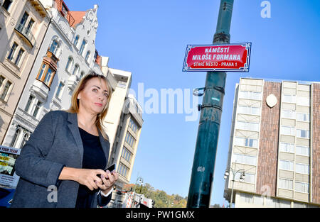 Prague, Czech Republic. 12th Oct, 2018. The small square outside the Intercontinental Hotel in the Prague 1 district has been named after late Czech film director Milos Forman, outgoing Prague Mayor Adriana Krnacova (ANO) told journalists today, on Friday, October 12, 2018. Oscar-winning film director Forman died at the age of 86 this April. The area is situated between the Parizska, Bilkova and Elisky Krasnohorske streets and the namesti Curieovych square. Credit: Vit Simanek/CTK Photo/Alamy Live News - Stock Photo
