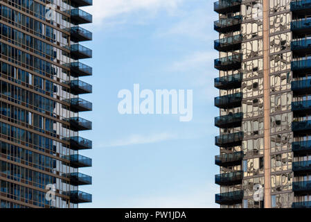 10-2018 Manhattan, New York. Balconies on Appartment buildings in Williamsburg. Photo: © Simon Grosset - Stock Photo