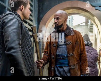 RELEASE DATE: November 21, 2018 TITLE: Robin Hood STUDIO: Lionsgate DIRECTOR: Otto Bathurst PLOT: A gritty take on the classic Robin Hood story. STARRING: JAMIE FOXX as Little John, TARON EGERTON as Robin. (Credit Image: © Lionsgate/Entertainment Pictures) - Stock Photo
