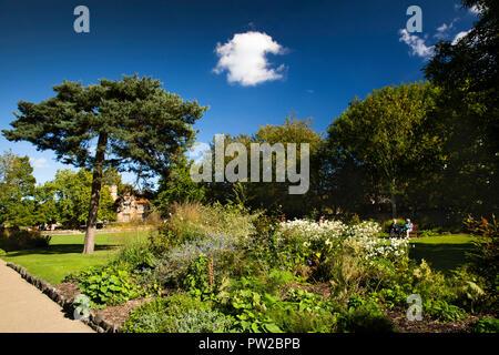UK, Kent, Canterbury, Westgate Gardens in early Autumn - Stock Photo