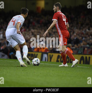 Cesar Azpillicueta L Ben Davies R in action during the Wales v Spain Friendly Football at Principalty Stadium Cardiff Wales on October 12 2018 Graham  - Stock Photo