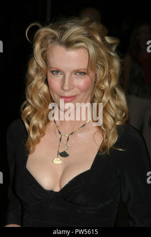 Kim Basinger  09/09/04 'Cellular' Premiere  @  Cinerama Dome, Hollywood Photo by Kazumi Nakamoto/Hollywood News Wire File Reference # 33683_578HNWPLX - Stock Photo