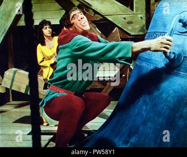 Der Glöckner von Notre Dame aka. Notre-Dame de Paris, Frankreich 1956 Regie: Jean Delannoy Darsteller: Gina Lollobrigida, Anthony Quinn - Stock Photo