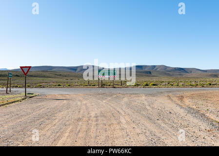 Junctiion between road R356 from Ceres and road R354 in the Northern Cape Province. Directional signs are visible - Stock Photo