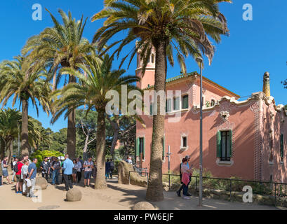 Tourists outside the Casa Museu Gaudi ( Gaudi House Museum ), Park Guell ( Parc Guell ), Gracia, Barcelona, Spain - Stock Photo