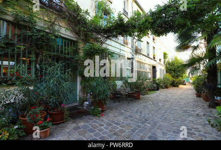 The lost secret Figuier street in Bastille district of Paris. - Stock Photo