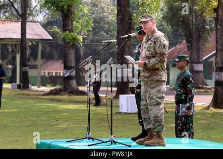 Maj. Gen. Arthur J. Logan, Hawaii Adjutant General delivers remarks during the closing ceremony for Garuda Shield 2017 in Cibenda, Indonesia, September 29, 2017. - Stock Photo
