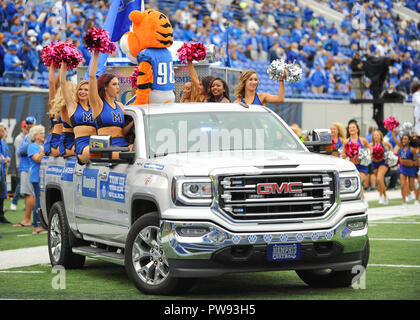 Memphis, TN, USA. 13th Oct, 2018. Memphis Tigers Cheerleaders before the NCAA football game between the Memphis Tigers and the Central Florida Knights at Liberty Bowl Stadium in Memphis, TN. UCF defeated Memphis, 31-30. Kevin Langley/CSM/Alamy Live News - Stock Photo