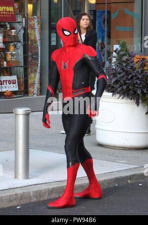 October 12, 2018 Tom Holland, Zendaya filiming Spider-Man: Far From Home Filming in New York October 12, 2018 Credit: RW/MediaPunch Credit: MediaPunch Inc/Alamy Live News - Stock Photo