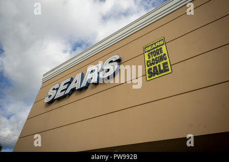 New York, USA. 14th Oct, 2018. The soon to be closing Sears store in New Hyde Park, NY on Saturday, October 13, 2018. Sears Holdings is reported to have made a deal with lenders and is filing for Chapter 11 bankruptcy on October 14. (© Richard B. Levine) Credit: Richard Levine/Alamy Live News - Stock Photo