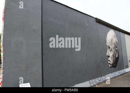 East Side Gallery, Berlin Wall painting of 'Thank You, Andrei Sakharov' (Danke, Andrei Sakharov) by Dmitri Vrubel and Viktoria Timofeeva - Stock Photo