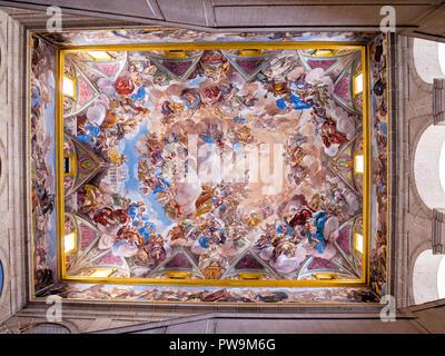Fresco en las escaleras del claustro del Monasterio de San Lorenzo de El Escorial. Madrid. España - Stock Photo