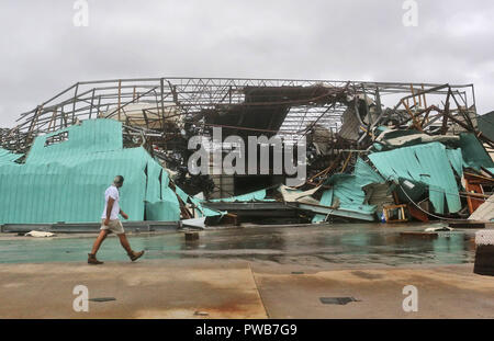 Panama City, FLORIDAY, USA. 10th Oct, 2018. A collapses boat housing sits after Hurricane Michael passed over in Panama City, Florida USA on October 10, 2018. Hurricane Michael made landfall in the Florida panhandle as a Category 4 hurricane. Credit: Dan Anderson/ZUMA Wire/Alamy Live News - Stock Photo